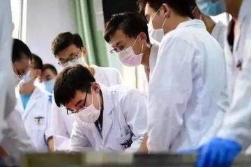 一年有80万医学生结业为何只要2万多同学成为医师